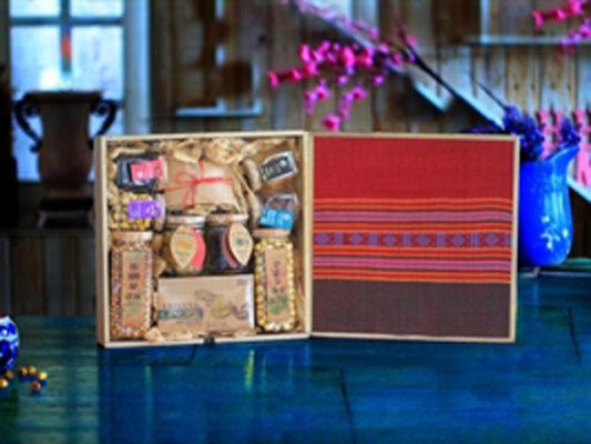 hộp gỗ quà tặng thổ cẩm